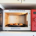 Review of the Whirlpool Crisp N' Grill Microwave - Child Blogger