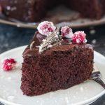 7 minute Eggless Chocolate Cake (Microwave) - Ruchiskitchen