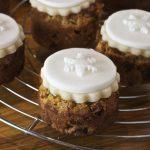 Mini Tropical Christmas Cakes - Maison Cupcake