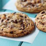 Copycat Doubletree Hotel Chocolate Chip Cookies – Modern Honey