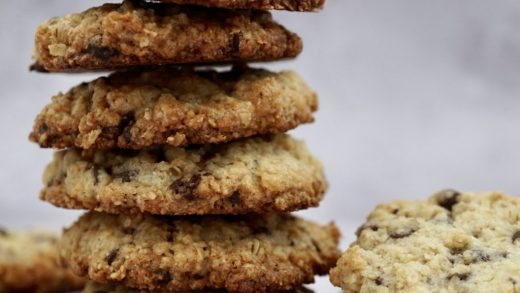 Chocolate chip and oat cookies (choc chip cookies) - Veggie Ideas