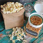 Video: How to Make Homemade Microwave Popcorn - Hip2Save