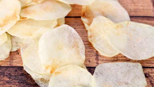 HOMEMADE POTATO CHIPS -- crispy and salty, made in the microwave