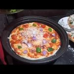 🍕🍕 PIZZA WITH BASE IN LG MICROWAVE 🍕🍕 - YouTube