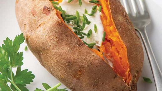 How to Microwave a Sweet Potato   Baked Sweet Potatoes + VIDEO