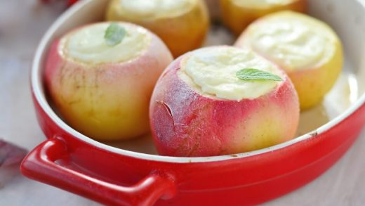 How to bake apples in the microwave so that they are juicy: recipes + their  benefits and harm