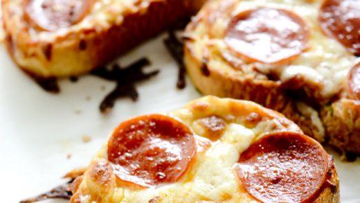 Garlic Bread Pizza with Texas Toast - Poor Man's Gourmet Kitchen