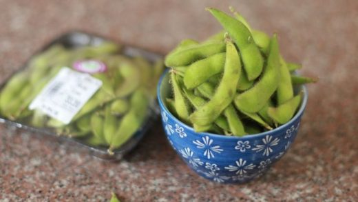 How To Cook Fresh Edamame (Fresh Soy Beans in Pods)