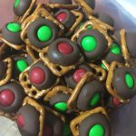 Catherine's Chatter - Waiting for Hannah: Recipe: Pretzels with Hershey  Kisses