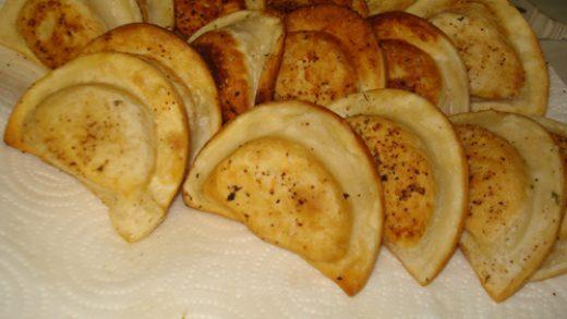 Food hack: Crazy easy garlic potato pierogi – Collegiate Cook