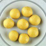 ALMOND BESAN LADOO (IN MICROWAVE) – Ruchi's Veg Kitchen