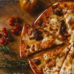 3 Ways to Cook Frozen Pizza - wikiHow