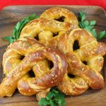 How to make addicting mall pretzels at home - My Silly Squirts