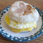 Microwave Egg MugMuffin (Microwave Mug Meals)   Bigger Bolder Baking    Recipe   Mug recipes, Easy lunch recipes, Recipes