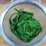 10 Simple Ways to Steam Spinach in a Microwave - wikiHow
