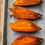 How to Cook a Sweet Potato in the Microwave: 11 Steps