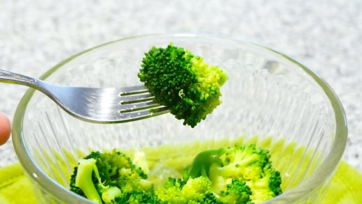 How to quickly steam fresh vegetables in the microwave - CNET